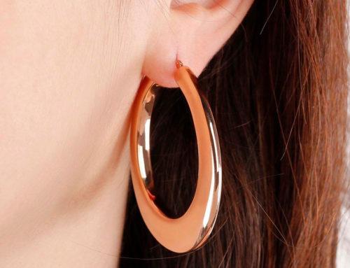MUST HAVE: orecchini a cerchio